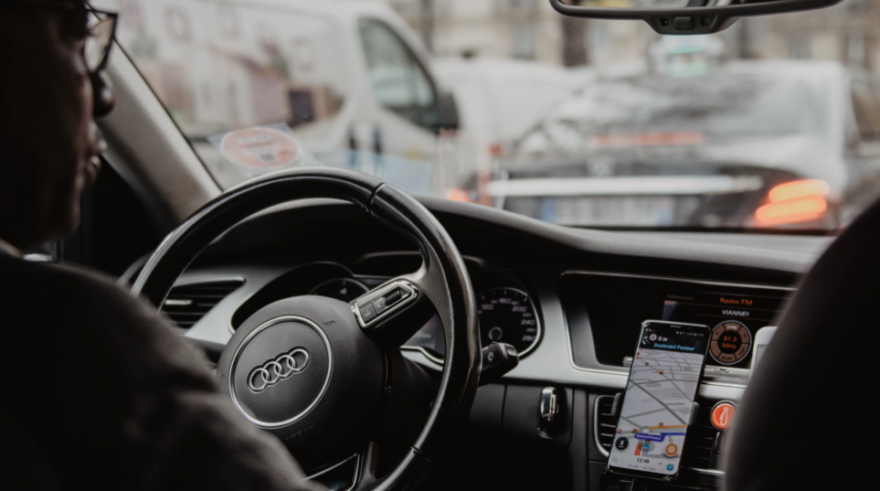 The Top 4 Distracted Driver DON'TS by A Distracted Driving Lawyer